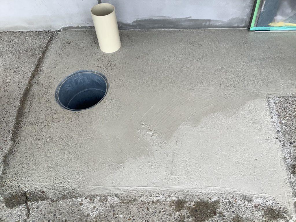 土間洗い出し作業