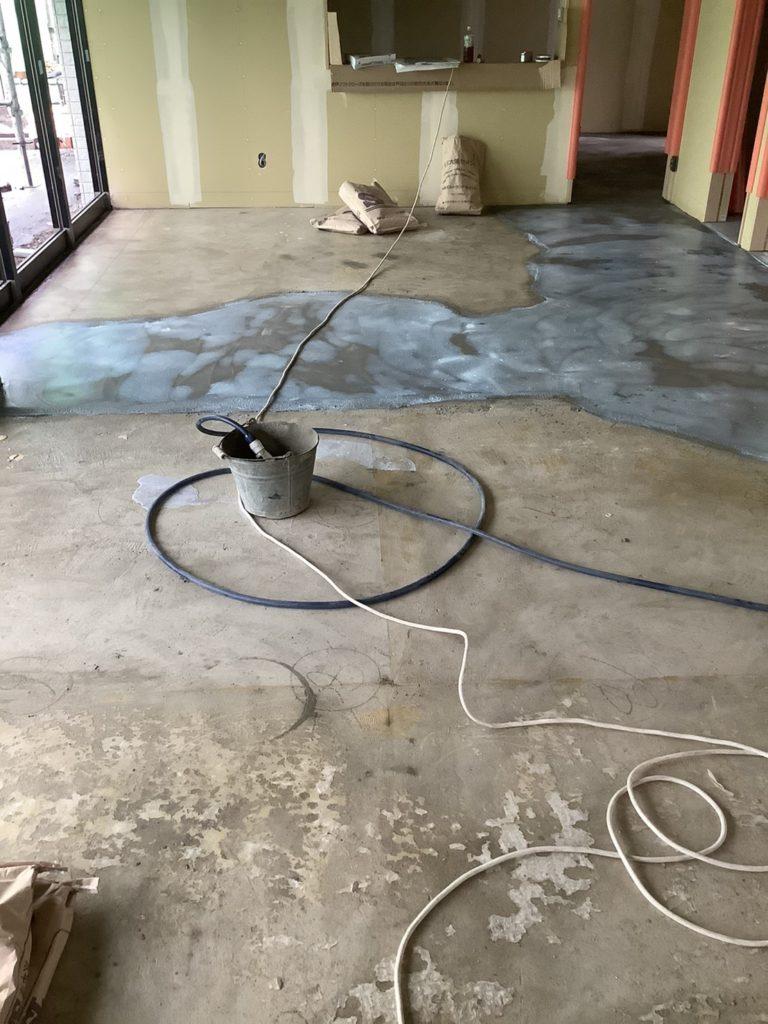 床レベリングモルタル工事